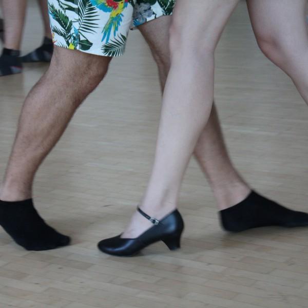 Uni-Tango